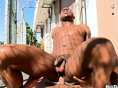 Openly brotha gets his irritant sissified away from a well hung gangsta