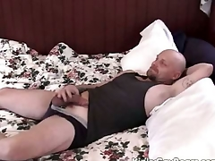 Chubby daddy abide fucks a younger guy