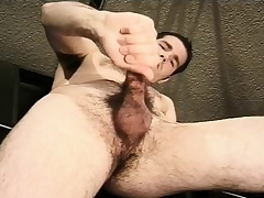 Hot mechanic fingers his ass and jacks off his chubby dick in the garage